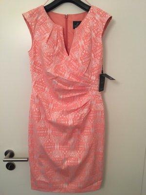Adrianna Papell Ołówkowa sukienka różany-w kolorze białej wełny