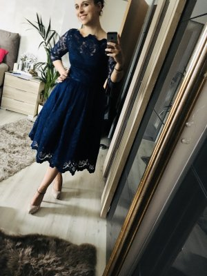 Chi Chi London Vestido de encaje azul-azul oscuro