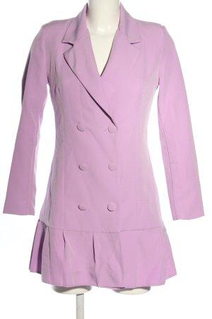 Eight Paris Gabardina tipo vestido lila look casual