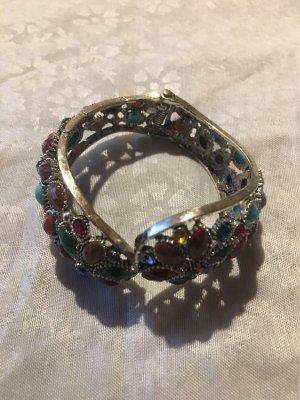 Ein  Armband