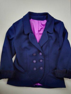 Ein besonderes Kleidungsstück im Nachtblau - echte Schneiderarbeit