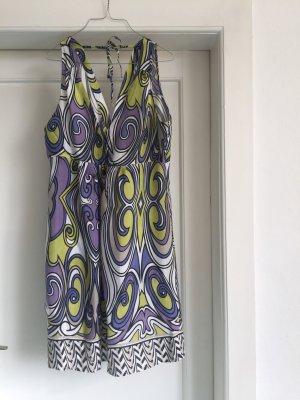 Ein buntes Sommerkleid von EKSEPT