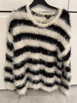 Ein Flauschiger Pullover