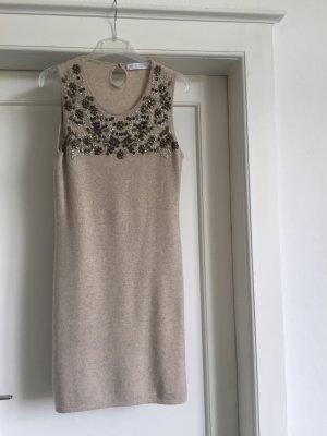 Ein Kleid aus Cashmere von FTC