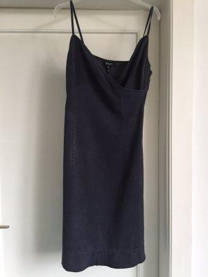 Ein Kleid von ESCADA SPORT