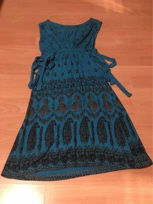Ein Mini Kleid