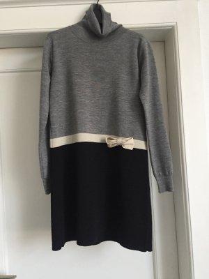 Ein Rollkragenkleid vonTWIN-SET