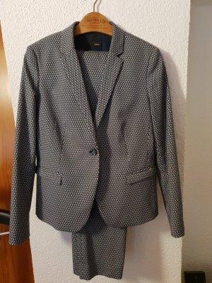 ein schöner Anzug von Cinque