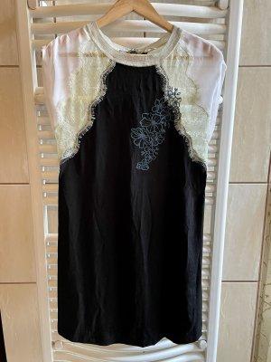 Ein schönes leichtes Sommerkleid von Guess