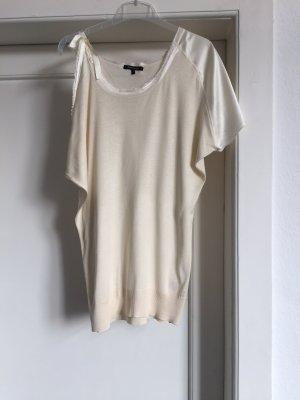 Ein Shirt in Seide von PATRIZIA PEPE