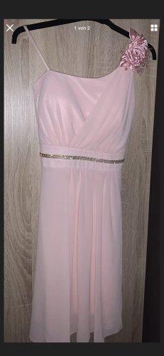 Vestido de chifón rosa claro
