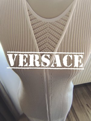 Ein Traum in Weiß von Versace