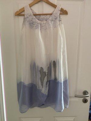 Sukienka typu babydoll w kolorze białej wełny-błękitny Jedwab