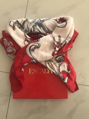 Ein Tuch von Escada