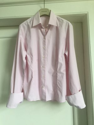 Eine Bluse von van LAACK