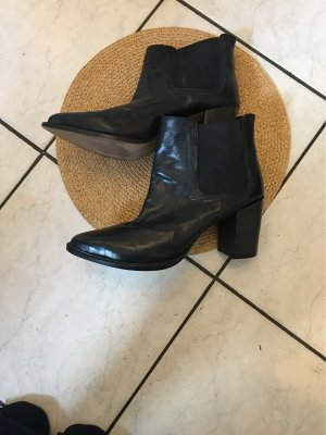 100% Fashion Slouch Booties black