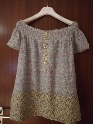 Eine Federleichte Bluse zu verkaufen.