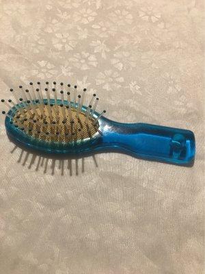 Eine Haarbürste