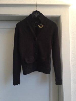 Eine Jacke in Strick von ESISTO