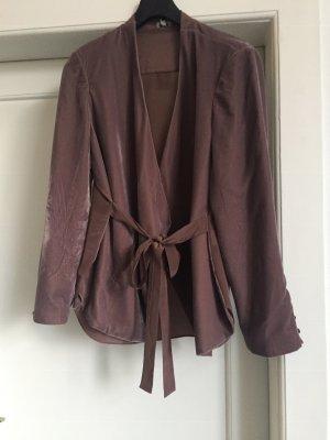 Eine Jacke von Hoss Intropia