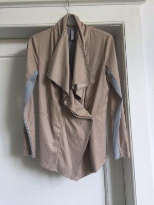 Eine Jacke von MARC CAIN