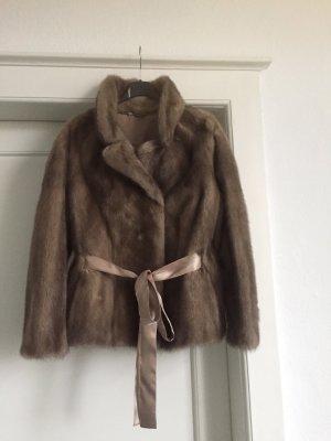 Giacca in pelliccia marrone-grigio
