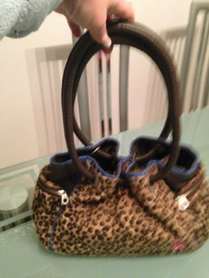Eine schöne Tasche von Poodlebag im Leodruck.Abnäher in Blau
