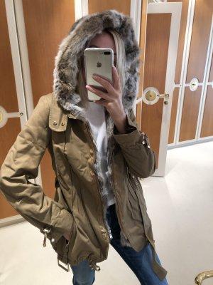 Eine wunderschönene Winter Jacke , Größe 36