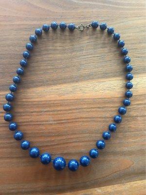 Collier bleu foncé