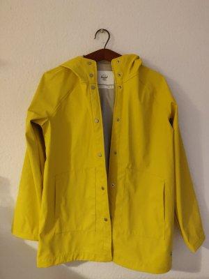 Einmal getragene Regenjacke in auffallendem gelb