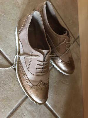 Einmal getragene Schuhe