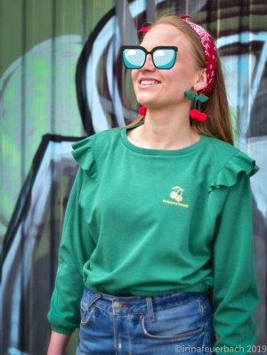 Einzelstück Cropped Sweatshirt Cherrybomb handmade/ handgefertigt