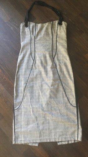 """Einzigartiges italienisches Design-Kleid Hourglass von Designer Rinascimento / Linea Misqui. Sehr hochwertiges Material & Design. Sexy, modernes, schickes, figurbetontes Kleid mit """"Slimming-Effekt"""" -Linien, Korsettdesign auf der Rückseite. Hergestellt in"""