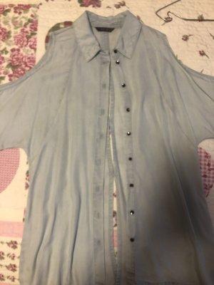 Eisblaue Jeanshemd mit Schulter und Rückenausschnitt