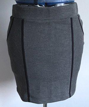elastischer Shirtrock