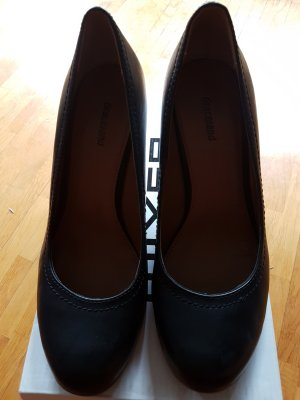 elegant black office shoes