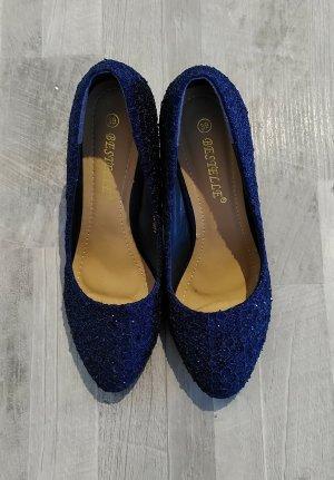 Elegante blaue Schuhe