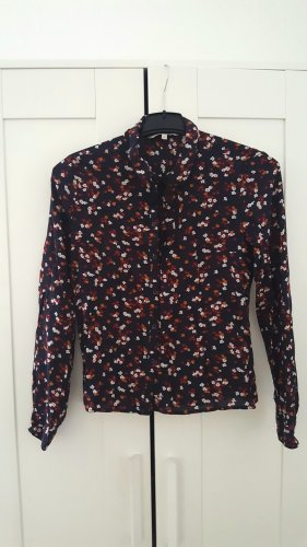 Elegante Bluse mit Schleifchen