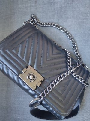 Elegante gesteppte Tasche