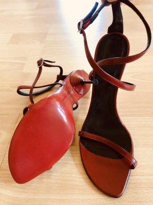 Elegante High Heels Sandalette mit Roter Ledersohle