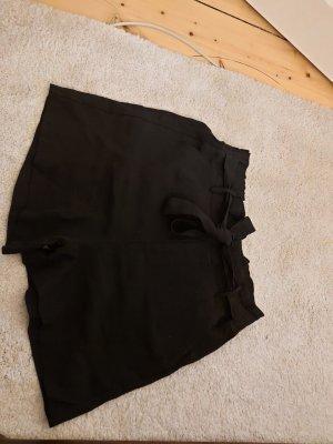 Amisu Pantalón corto de talle alto negro