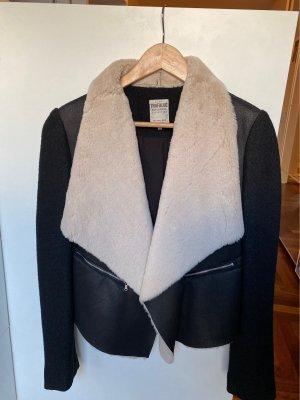 Zara Trafaluc Futrzana kurtka czarny-w kolorze białej wełny