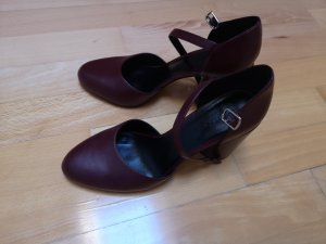 Charles & Keith Mary Jane pumps bruin-bordeaux