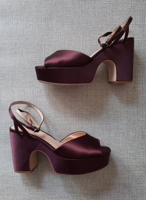Elegante Plateau-Pumps in Bordeauxrot