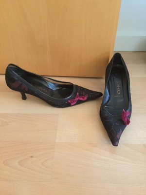 Pointed Toe Pumps black-purple