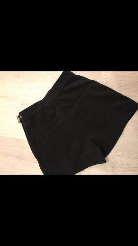 Elegante schöne kurze Hose