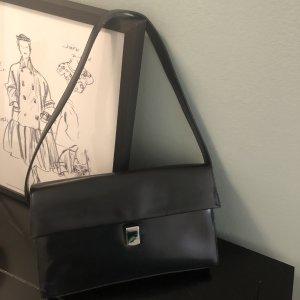 Elegante Schultertasche aus glänzendem Leder - schwarz