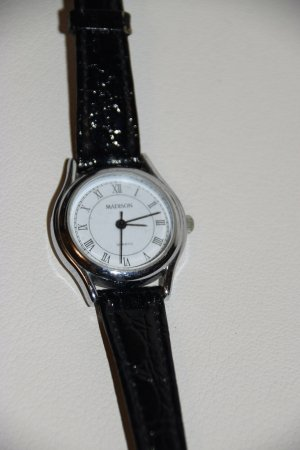 Elegante schwarze Damen Armbanduhr von Madison