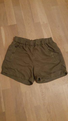 Elegante Shorts