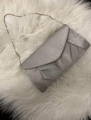 Elegante silberne Handtasche